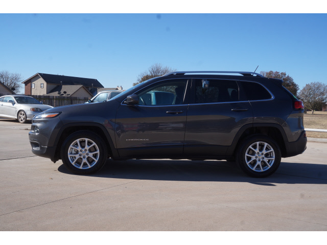 Pre-Owned 2015 Jeep Cherokee 4D WAGON LATITUDE V6